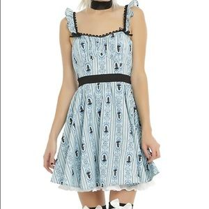 Hot Topic Alice In Wonderland Ruffle Dress